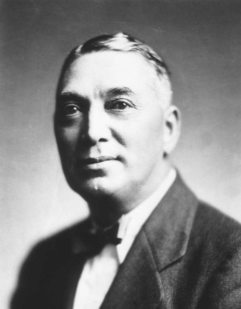 sir maui pomare Sir māui wiremu pita naera pōmare kbe cmg (1875 or 1876 – 27 june 1930) was a new zealand doctor and politician, being counted among the more prominent.