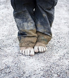 Child Poverty 'Stains' NZ's Human Rights Record Says Amnesty