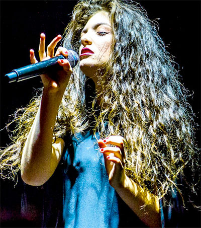 Lorde Mesmerises Sold-Out London Crowd