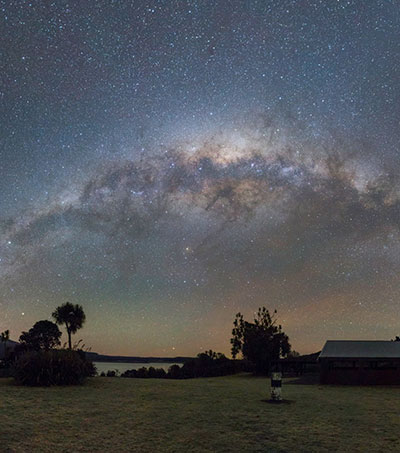 Milky Way Glows Over New Zealand in Stunning Photo