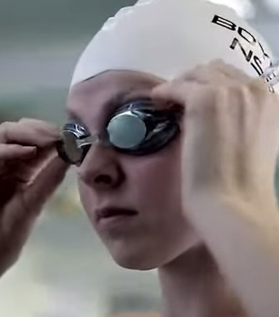 Swimmer Lauren Boyle Sets New World Record