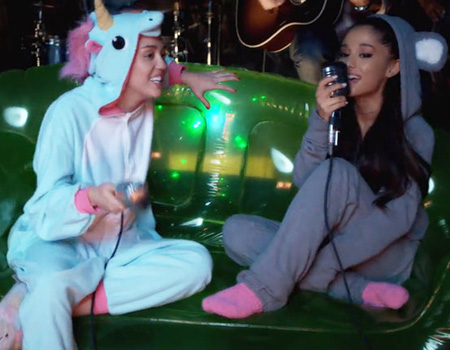 Miley Cyrus & Ariana Grande Perform Kiwi Classic in Aid of the Happy Hippie Foundation