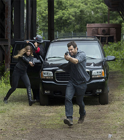 Banshee Star Antony Starr Reflects on Cult Series