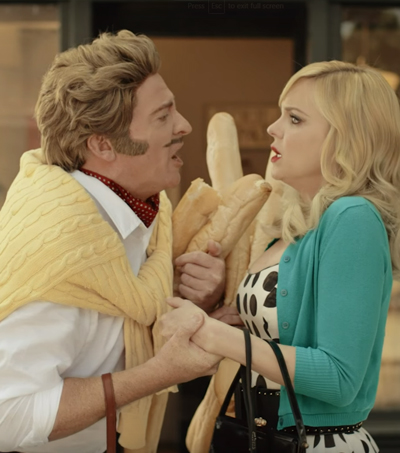 Rhys Darby and Anna Faris in Air New Zealand's Latest Safety Video