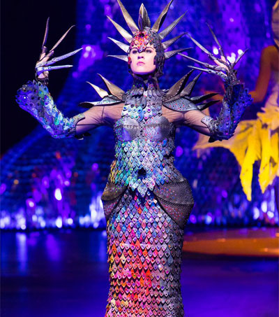 Gillian Saunders Takes Top Honours at World of Wearable Art Awards Show