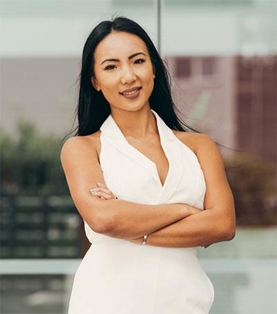 Iyia Liu Earns Big on Waist Trainers