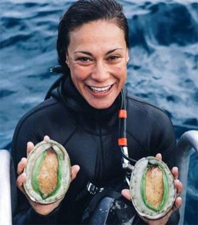 WA's Only Female Abalone Diver is Alex Pere