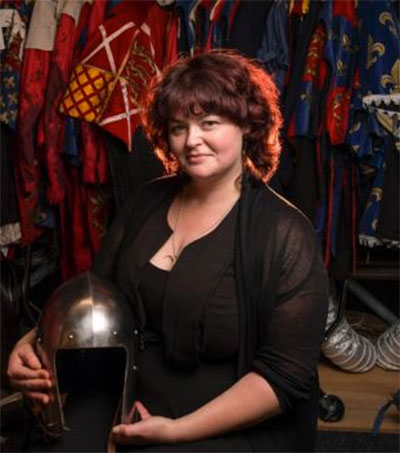 Chantelle Gerrard Dresses to Kill at Pop-Up Globe
