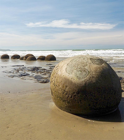Moeraki Boulders Make for Ever-Changing Photo Op