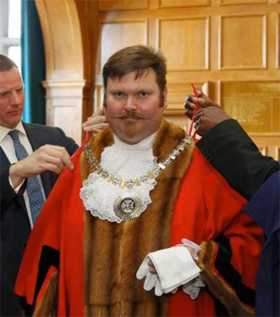 Barnet Mayor Reuben Thompstone Sworn in