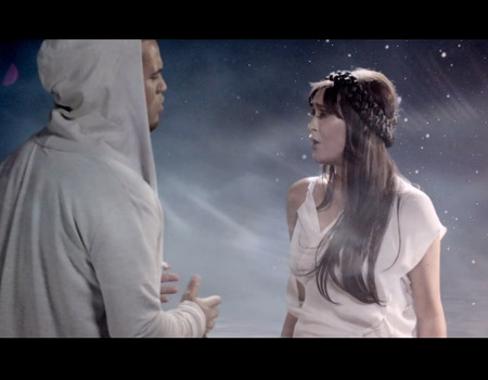 Ginny Blackmore & Stan Walker – Holding You