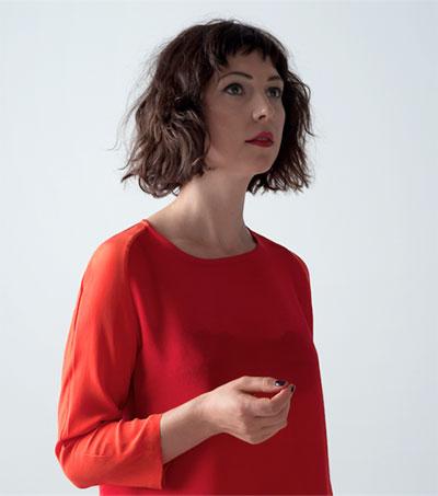 Melbourne Singer Organises Her Artistic Impulses