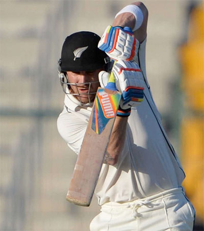 Brendon McCullum Makes Australia's Cricketers Look Average