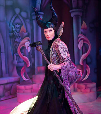 Lucy Lawless Plays Evil Queen in Californian Pantomime