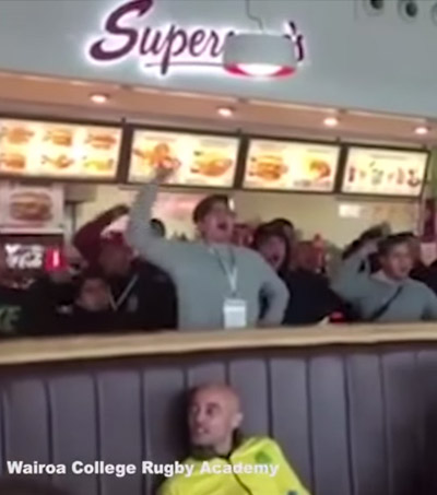 NZ Student Rugby Team Performs Haka at Fast Food Restaurant in Ireland