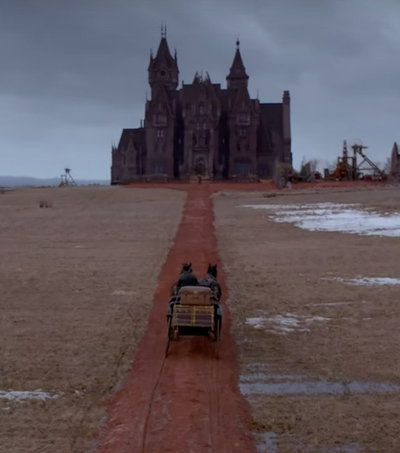 Del Toro's Crimson Peak Inspired by Night in Haunted Kiwi Hotel