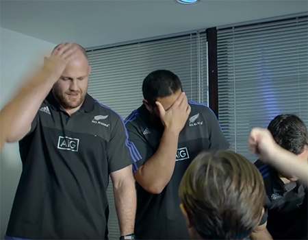 England and The All Blacks Team Up To Test Their Skills Against Children