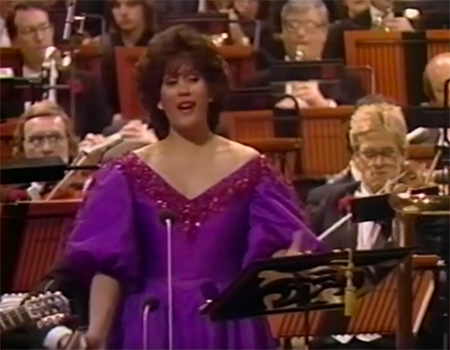 Dame Kiri Te Kanawa – Have Yourself a Merry Little Christmas