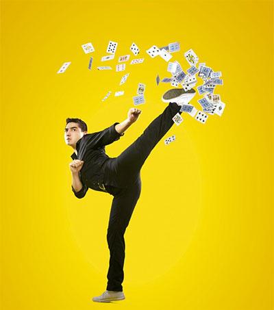Card Ninja Performs in UK at Bedfringe