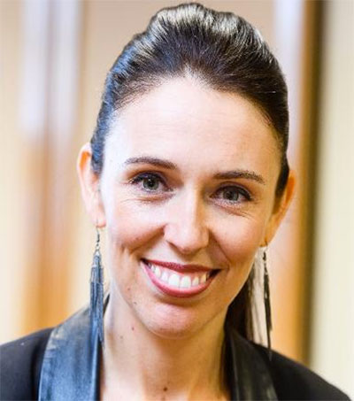 EDGE #289: Kiwis in Spotlights: Jacinda Ardern One of World's Most Powerful Women, Manta5 Pedal-Electric Hydrofoil + Flight of the Conchords UK Tour ++ more