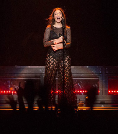 """Lorde's Portland Performance """"As Intimate as Her Dinner Table"""""""