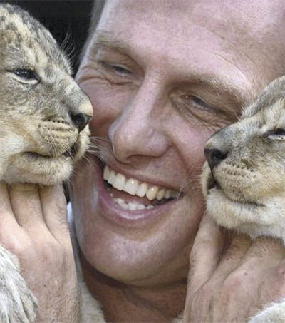 Dubai Safari's Timothy Husband Recovers Exotic Pets